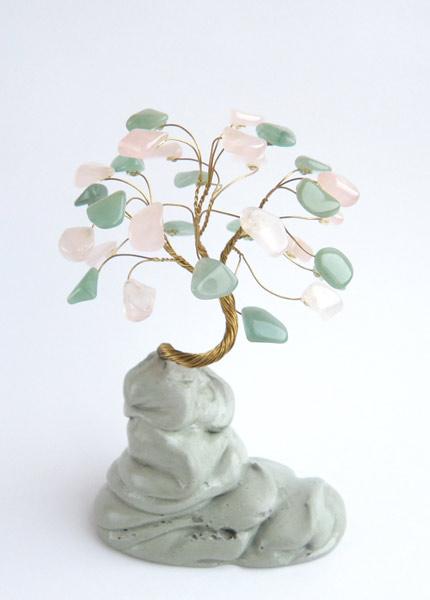 Дерево счастья - дерево, на котором растут камни-самоцветы.